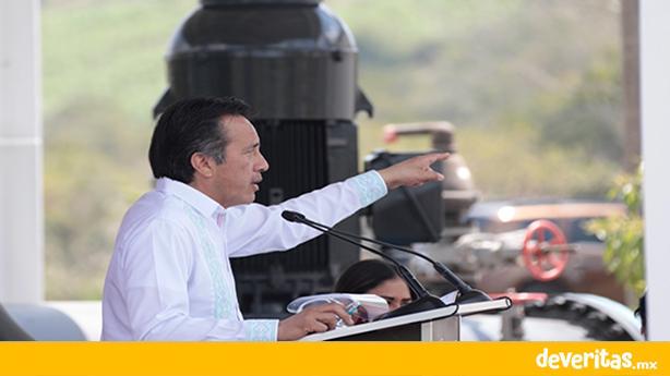 Condena Cuitláhuac abandono en el que tenían a Poza Rica