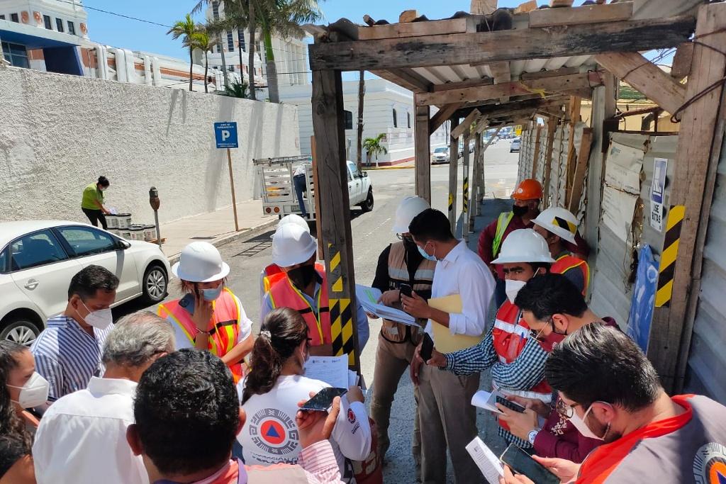 Protección Civil suspende construcción del edificio en el centro de Veracruz criticado por AMLO
