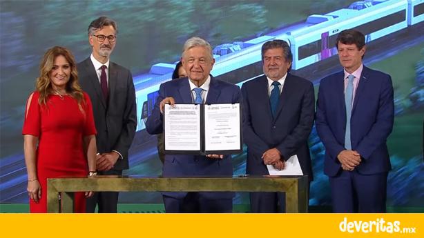 Gobierno federal firma contrato con empresas que construirán los vagones del Tren Maya