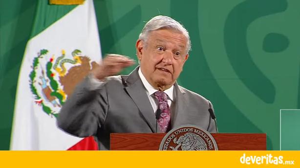 """Critica AMLO construcción de edificio """"altísimo"""" en Centro Histórico de Veracruz"""