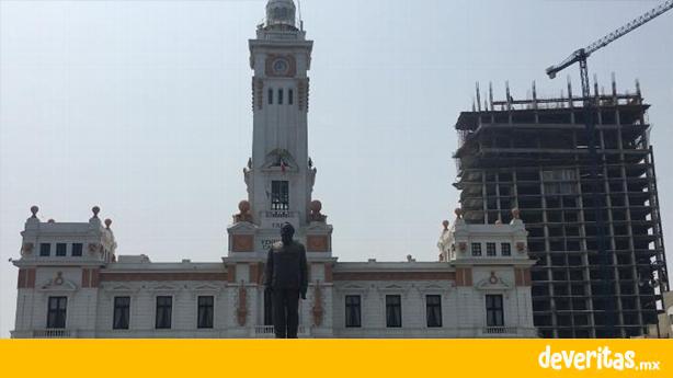 """INAH desmiente a Fernando Yunes, nunca dio permiso para construcción del edificio detrás del Faro """"Venustiano Carranza"""""""