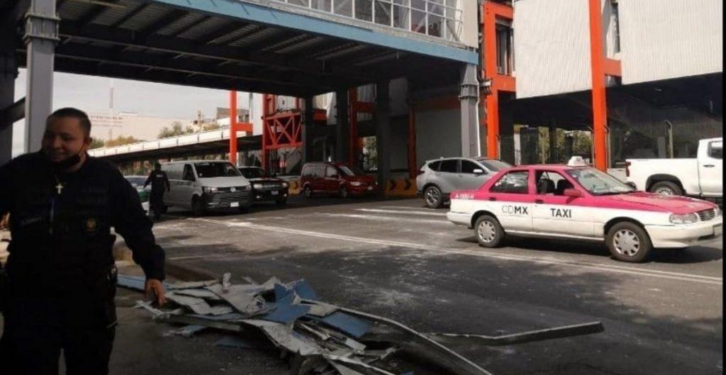 Otro desplome en Ciudad de México, esta vez fue un puente peatonal